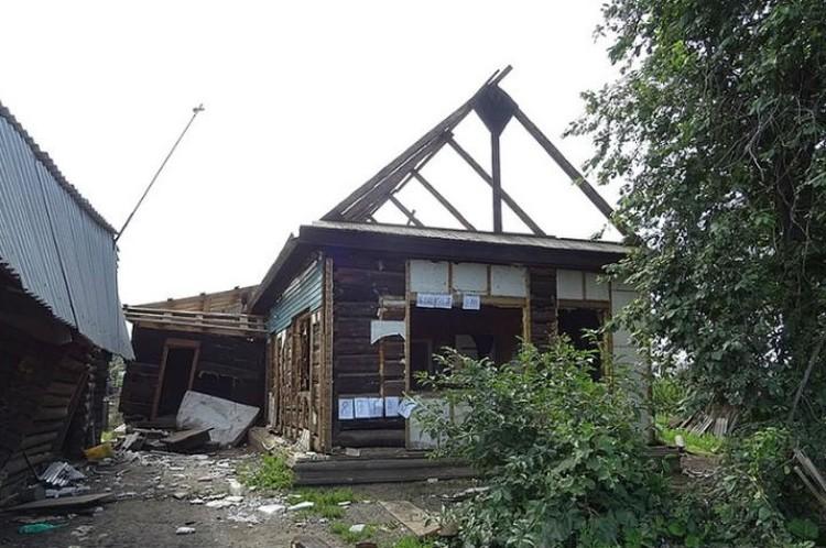 Дома, даже не унесенные рекой, превратились в ничто.