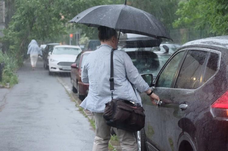 Ливень в считанные минуты затопил улицы