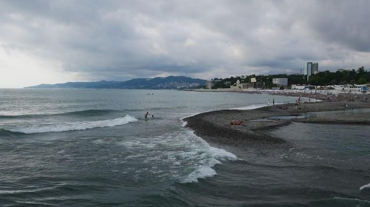 Утром же центр курорта пуст - все на пляже.