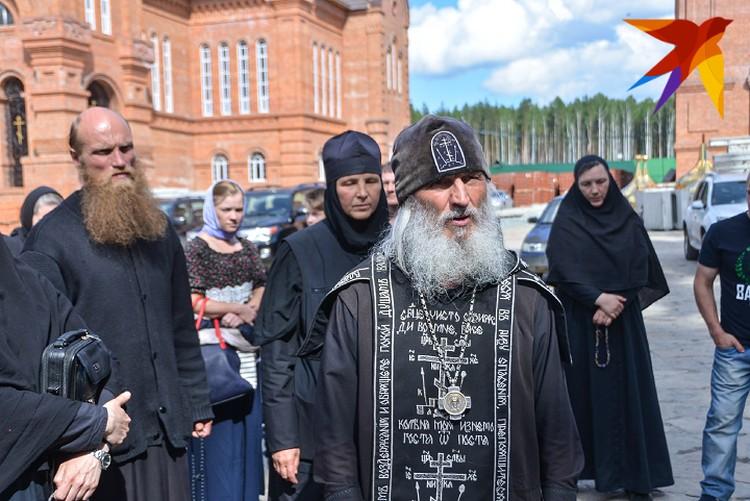 В епархии Екатеринбурга считают, что отец Сергий захватил монастырь
