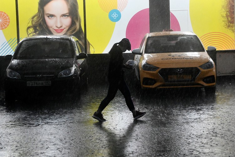 В Москве за несколько часов выпала треть месячной нормы осадков