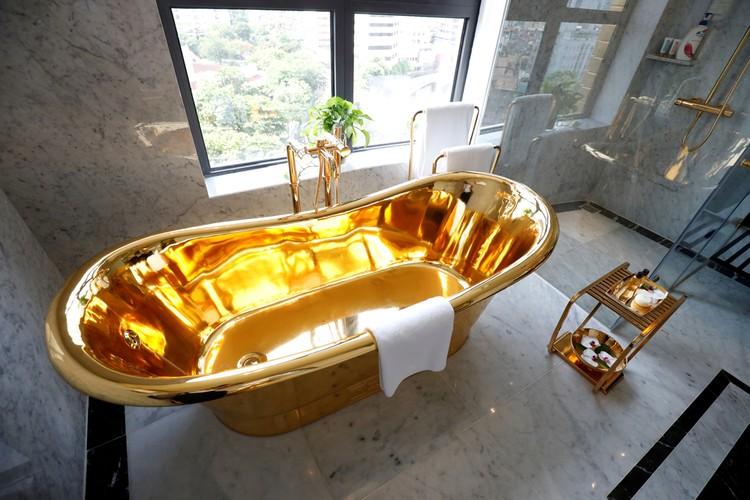 Вномерах - золотые ванны.