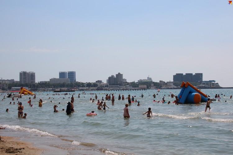 Пляж Анапы 19 июля. Фото: Михаил ПОПОВ