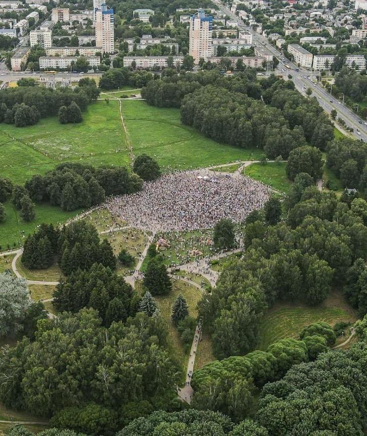 Пикет в поддержку Светланы Тихановской 19 июля 2020 года в Минске. Фото: Янка Маур в facebook.com.