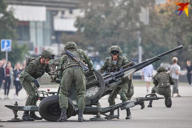 Репетиция ко Дню воздушно-десантных войск.