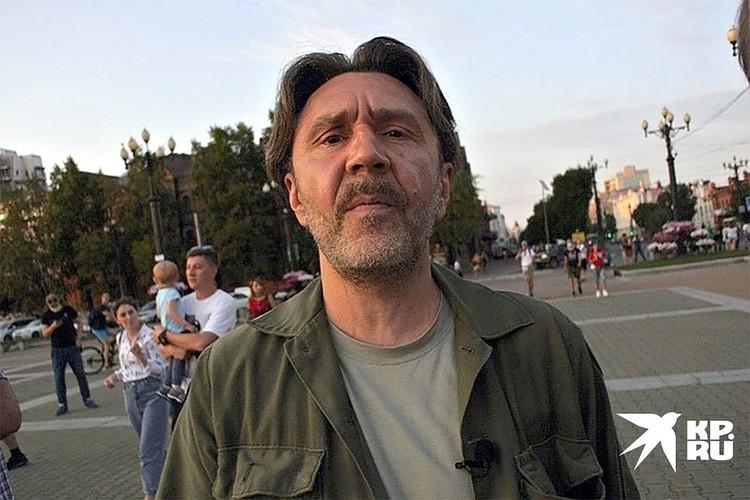 Ради интервью Сергей Шнуров прилетел в бурлящий Хабаровск.