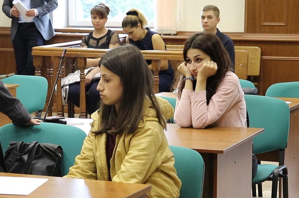 На сегодняшний день сестрам за содеянное грозит до 20 лет тюрьмы. Фото: Пресс-служба Мосгорсуда/ТАСС