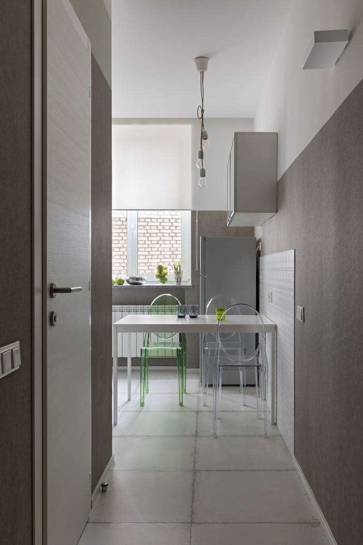 Кстати, такую особенность квартиры, как длинный широкий коридор, хозяева считают скорее преимуществом, чем недостатком. Фото: Егор ПЯСКОВСКИЙ.