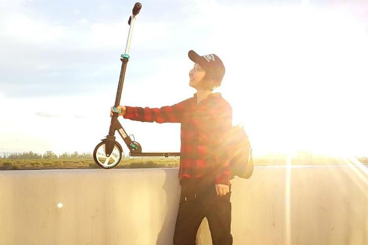Зоя обожает кататься на велосипедах и самокатах. Фото: личный архив Зои Ангареновой