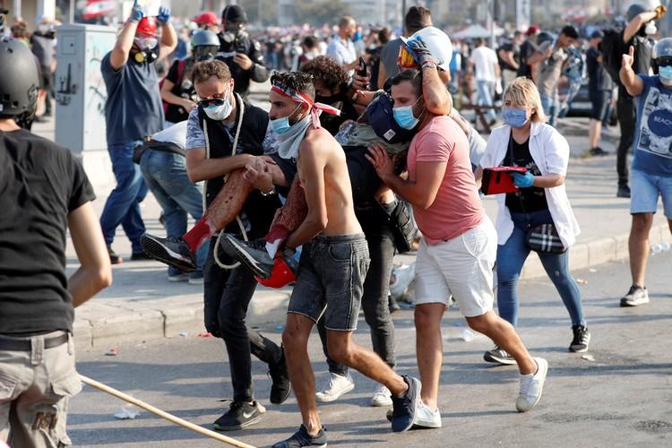Массовые акции протеста, продолжающиеся второй день в Бейруте, приобретают широкомасштабный характер