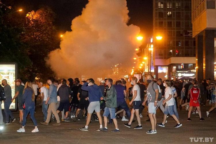 После оглашения результатов выборов в Минске люди вышли на улицы.