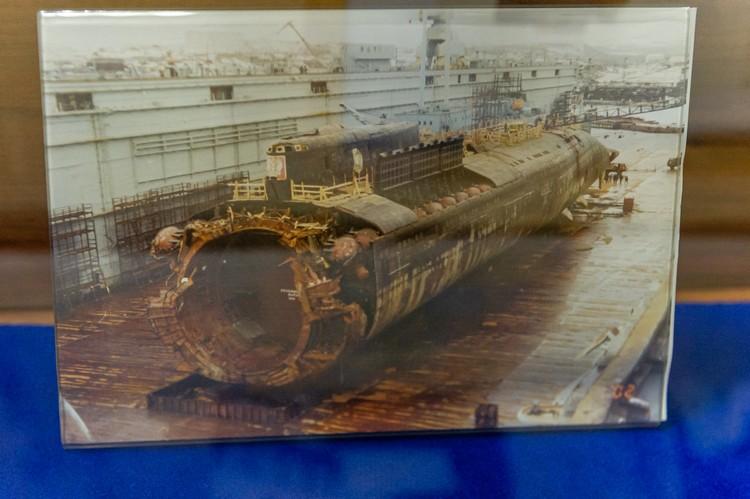 Подъем погибшей субмарины занял несколько месяцев.