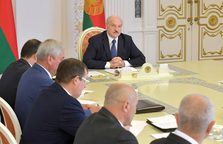 Александр Лукашенко не собирается сдавать своих позиций