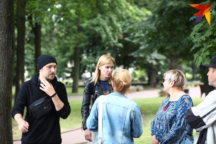 Артисты и сотрудники театра ожидают встречи с Валерием Громадой - и.о. директора театра.