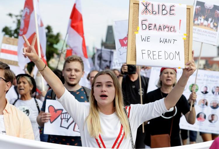 Основная часть митингующих на площадях крупных белорусских городов - молодежь.