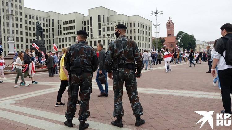 ОМОНовцы попросили митингующих разойтись