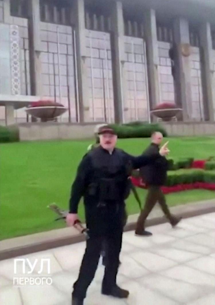 А какой в итоге окажется судьба Лукашенко — зависит сейчас уже только от него