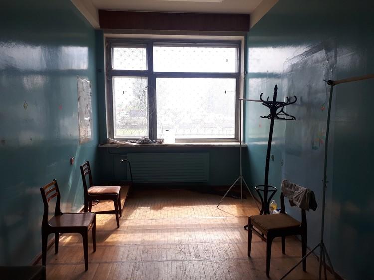 Это помещение планируют благоустроить и сделать там филиал больницы №2 на Ракетной Фото: Анастасия Захарова