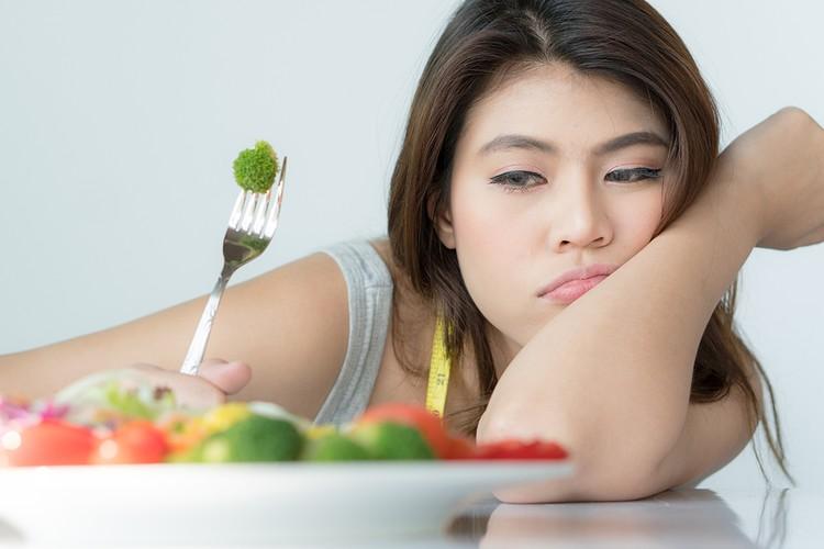 Большинство диет ведут к притормаживанию основного обмена веществ