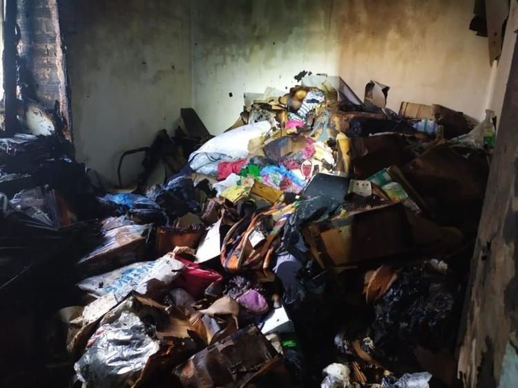 Так выглядит квартира после пожара. Фото: Фото: ГУ МЧС по Новосибирской области.