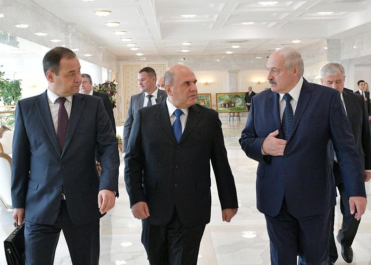 Мишустин заверил, что Россия и дальше не будет отворачиваться. Так, Белоруссия получит российскую вакцину от коронавируса.