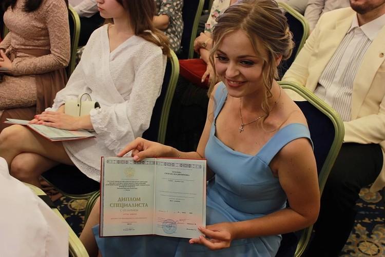 С 2015 по 2020 год дети из ДНР получили больше 8 тысяч дипломов Российской Федерации
