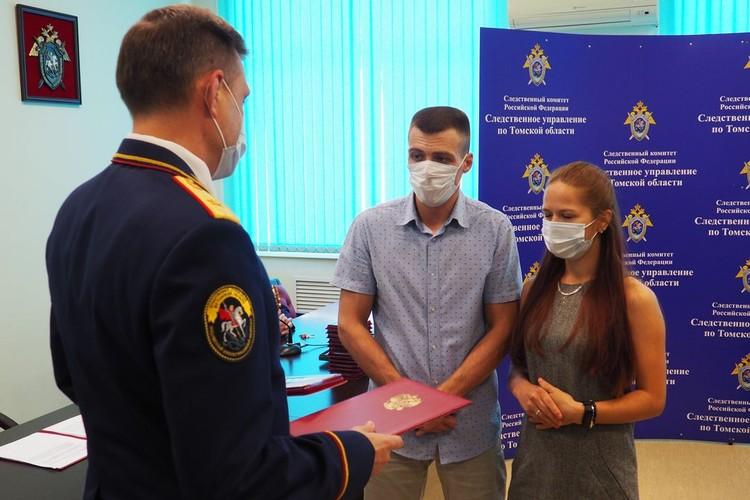 Следственный комитет наградил девочку медалью посмертно. Фото: из семейного архива Кайровых.