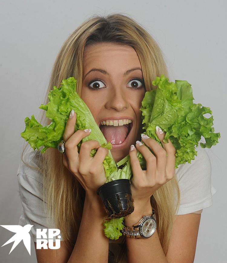 Кроме высокого содержания клетчатки, фолиевой и аскорбиновой кислот в листьях салатов много калия