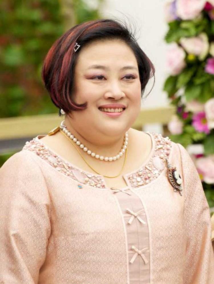 Первая супруга - Мом Луанг Соамсавали. Фото: Wikipedia Commons