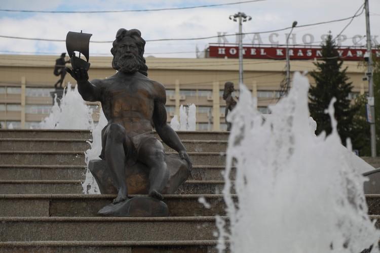 Архитектор спроектировал Театральную площадь