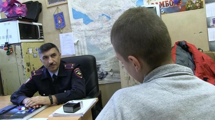 Мальчика доставили в полицию, где его опросили. Фото: отделение по связям со СМИ УМВД России по городу Екатеринбургу