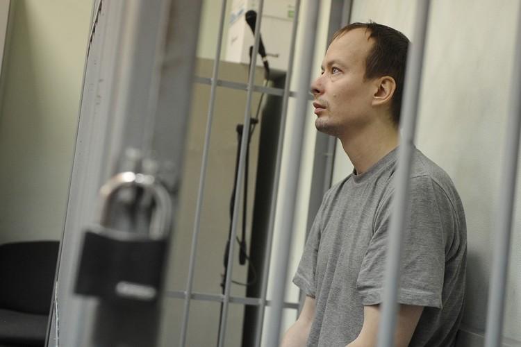 Алексей Александров показал, куда выбросил ствол винтовки. Он во всех подробностях рассказал, как убивал девушек