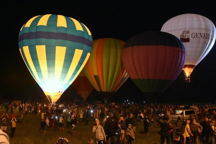 15 экипажей прибыли в Крым на фестиваль воздухоплавания