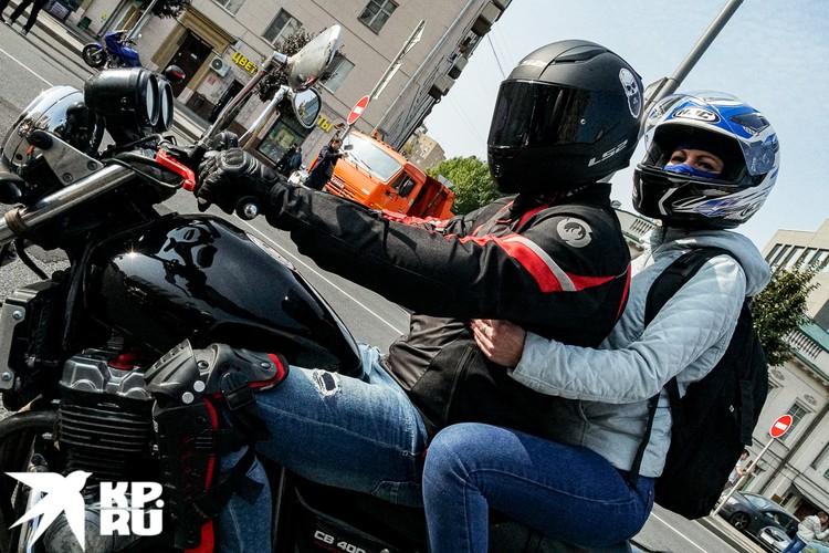 Про шлемы в этом году никто не забывал. безопасность - это главное! Фото: Михаил ПАНТЕЛЕЕВ