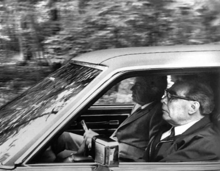 Л.И. Брежнев и Ричард Никсон в Олдсмобиле, 1973 г. Фото: Владимир Мусаэльян