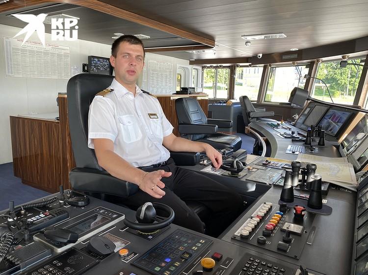 """Капитан """"Мустая Карима"""" - 34-летний Сергей Кайнов."""