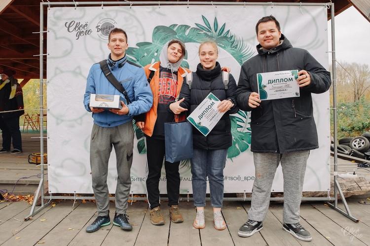 Дипломы и сладкие призы в подарок. Фото: admkrsk.ru