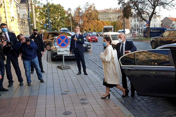 Была бы протестным кандидатом в Белоруссии собачка — европейский лидер встретился бы с собачкой.
