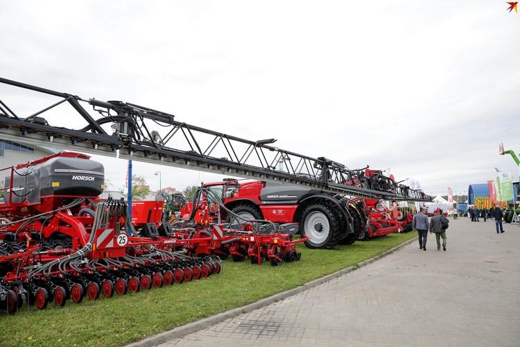 Масштаб современной сельскохозяйственной техники впечатляет