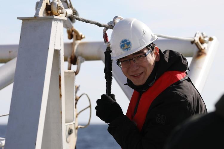 Александр Кокорин на борту научно-исследовательского судна