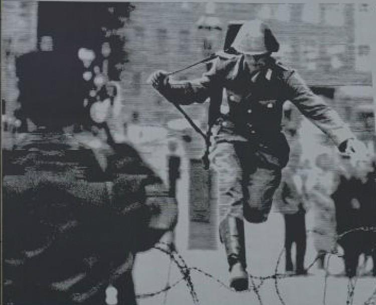 «Прыжок в свободу». Фото: dpa/Global Look Press