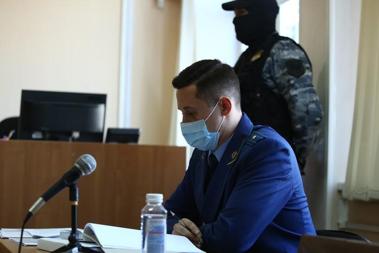 Суд удовлетворил ходатайство прокурора о продлении ареста счета Тефтелева-младшего