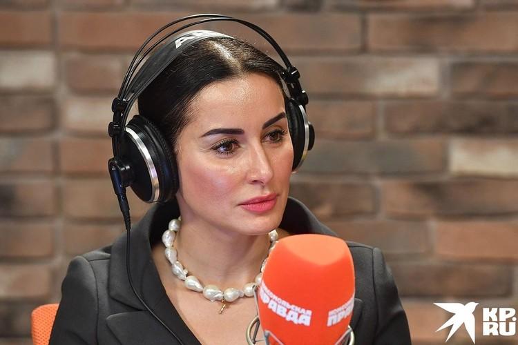 Радиоведущая Тина Канделаки.
