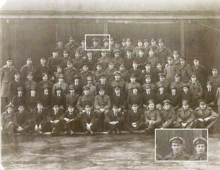 Мистический снимок с авиаторами Первой мировой войны.