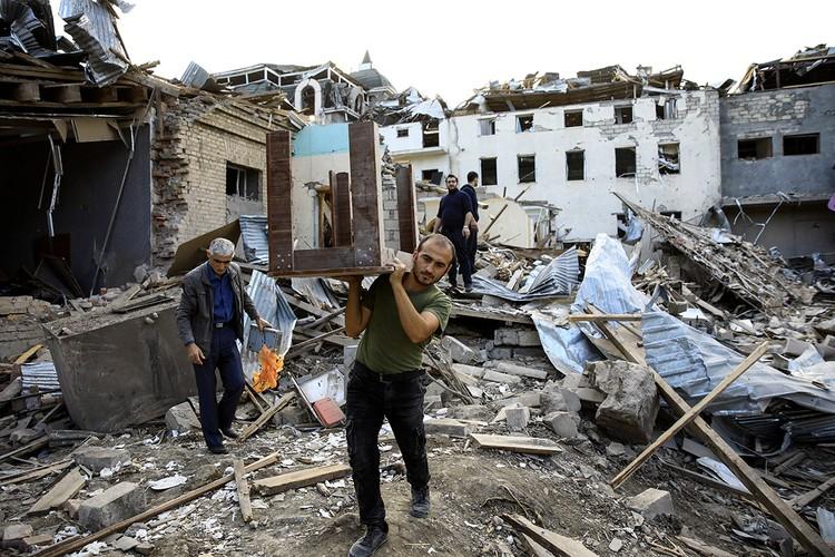 Генпрокуратура Азербайджана во вторник сообщила об увеличении числа жертв среди гражданского населения с азербайджанской стороны.