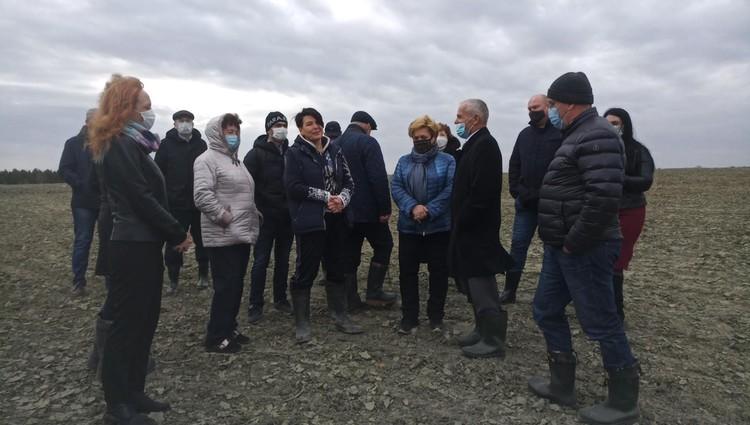 Генеральный директор подрядчика Ирина Цветкова рассказала парламентариям о том, каким им достался полигон.