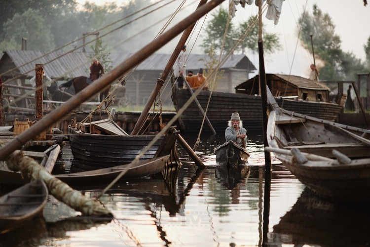 """Из масштабных декораций для фильма """"Тобола"""", где даже создавали искусственную реку, вырос музейный проект """"Посад сибирских старожил"""". Сегодня его могут посетить туристы. Фото: кинокомпания «Solivs»"""