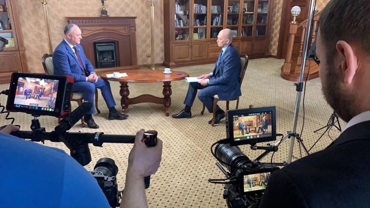 С президентом Молдовы Игорем Додоном удалось организовать личные встречи. На тот момент пандемия только набирала обороты.