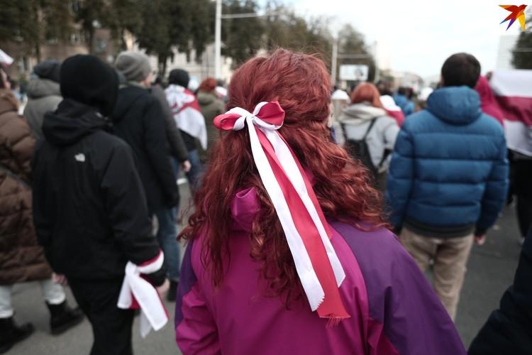 По громкой связи митингующих просили разойтись.