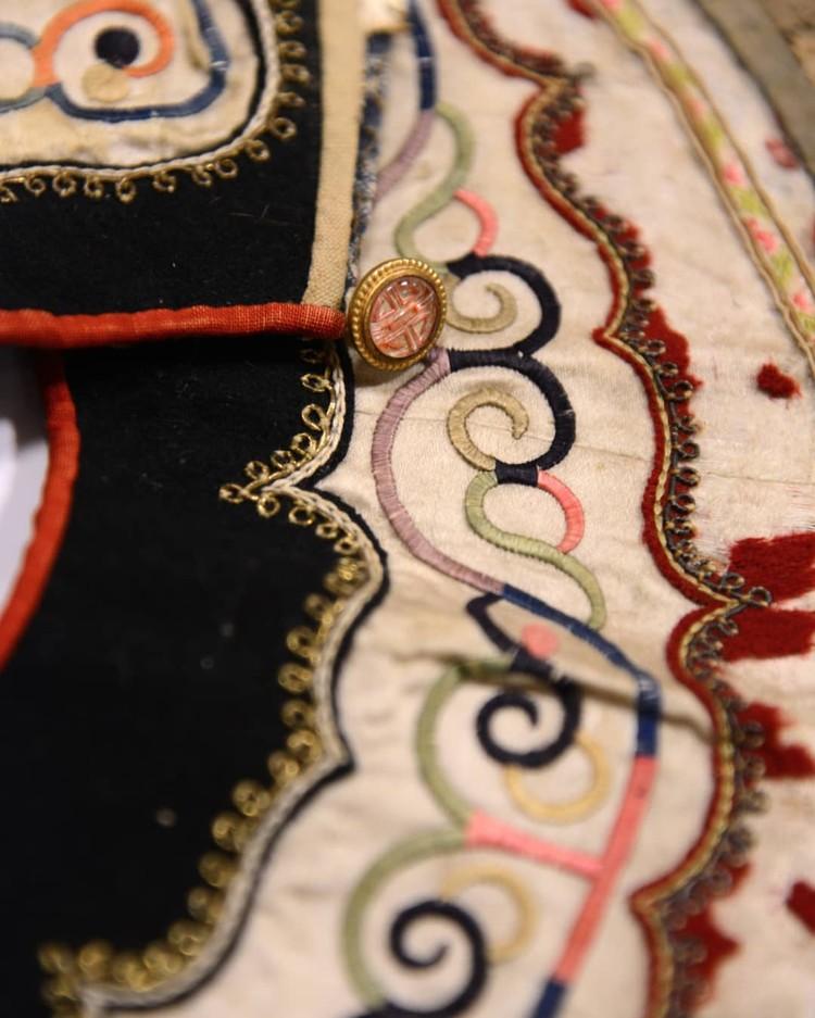 дни из самых ценных экземпляров - праздничные халаты (амири)